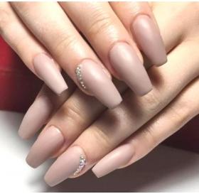 Акрил, гель или шеллак: что подойдет твоим ногтям