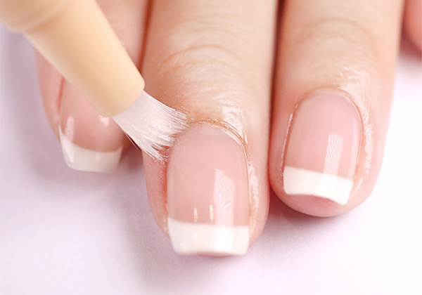 Как наносить масло для ногтей